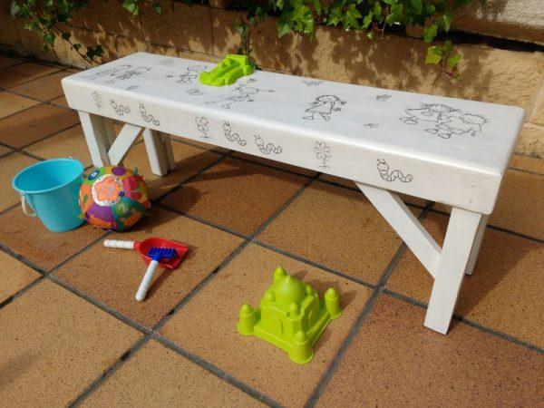 Banco infantil de madera reciclada de palet