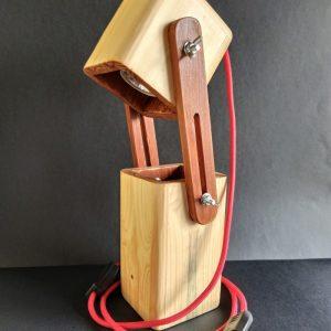 Lámpara extensible de madera reciclada de palet