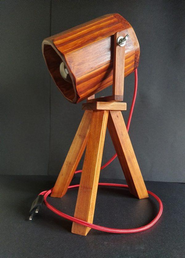 Lampara foco de madera reciclada de palet