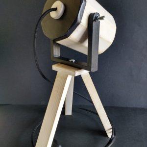 Lámpara foco de madera reciclada de palet