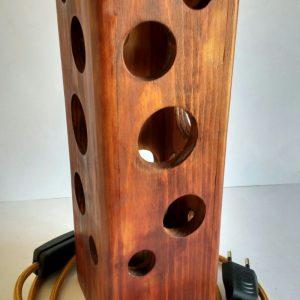 lampara agujeros madera reciclada palet
