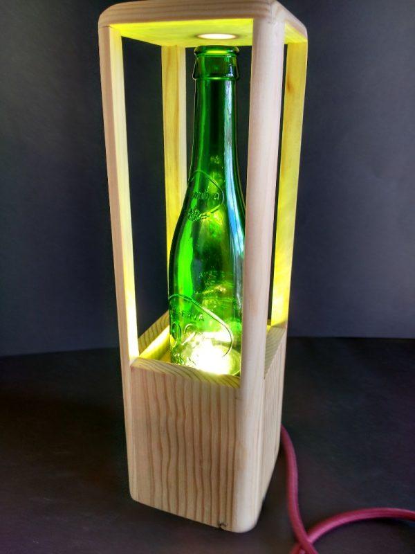 Lámpara botella de madera reciclada de palet