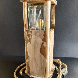 Lámpara vintage de madera reciclada de palet