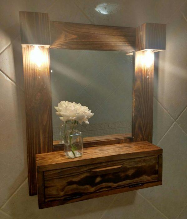 mueble baño con luces de madera reciclada de palet