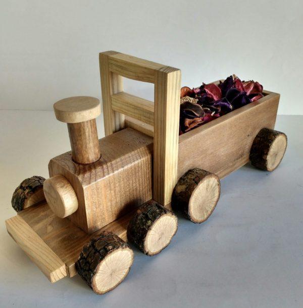 Tren de madera reciclada de palet