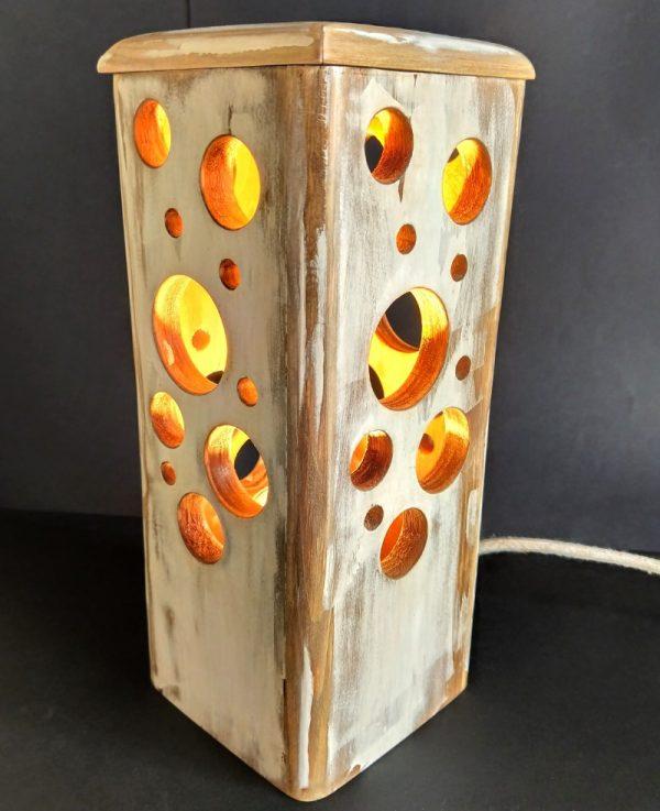 Lámpara agujeros vintage madera reciclada de palet
