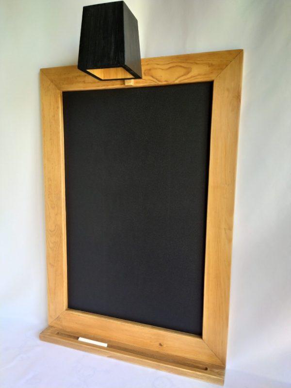 pizapizarra para tiza con luz con marco de madera recicladarra para tiza con luz con marco de madera reciclada
