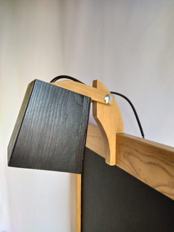 pizarra para tiza con luz con marco de madera reciclada